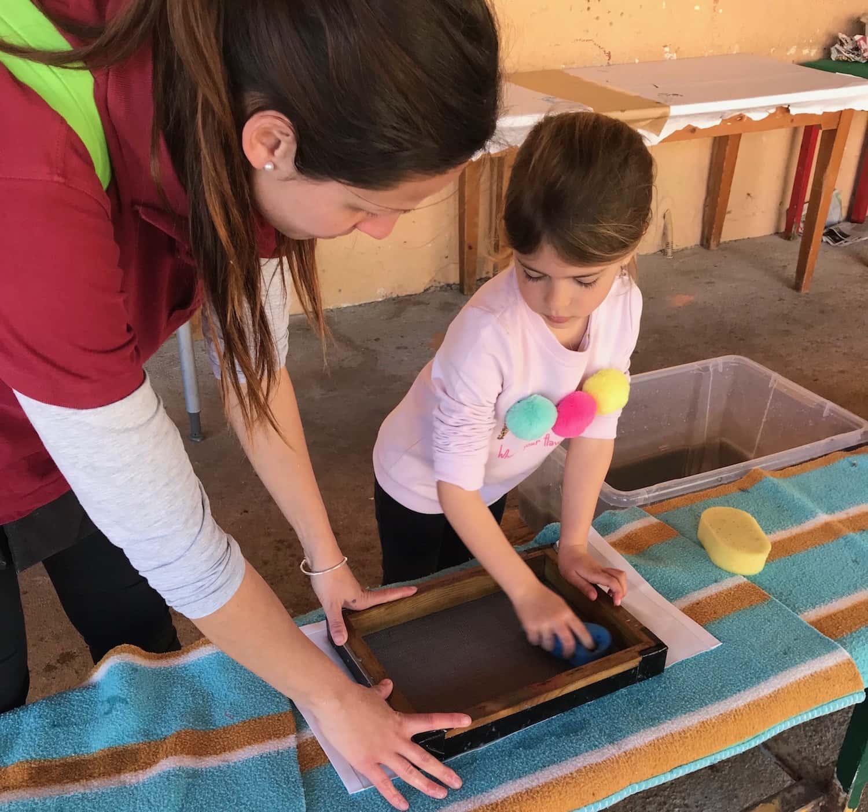 Els Alumnes D'Infantil Aprenen Com Es Recicla El Paper