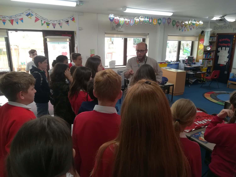 Nuevas Experiencias Para Los Alumnes De Viaje A Gales