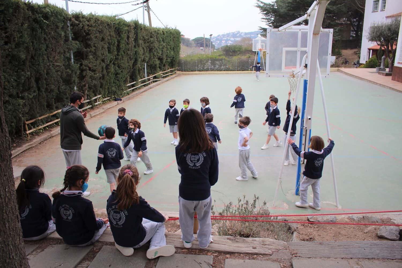 Un Nuevo Día Del Deporte En Las Instalaciones De La Escuela